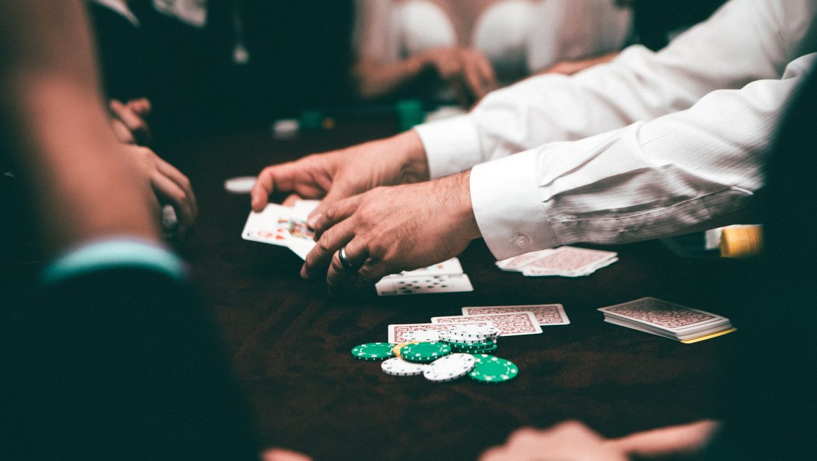 How To Play And Win More At Online Casinos – Tips And Strategies